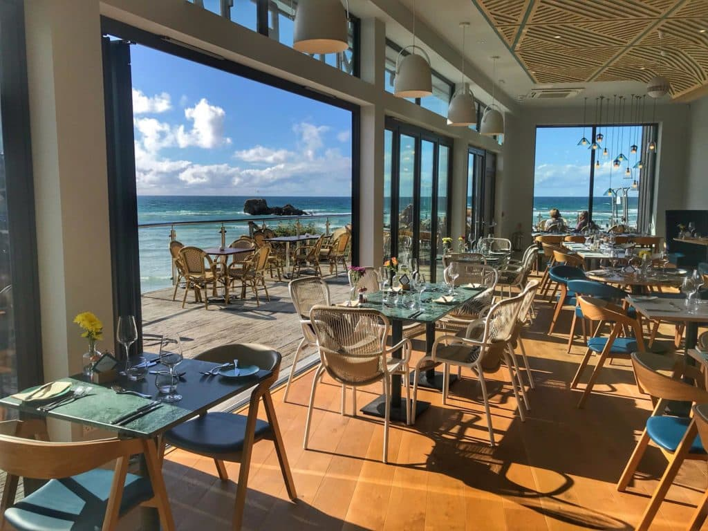 The Summer House restaurant with sea view