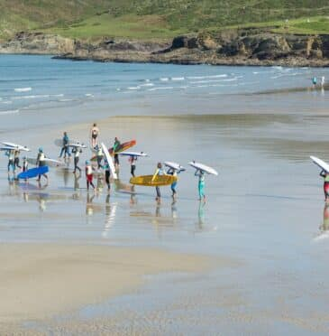 Which beaches in Cornwall have Blue Flag status?